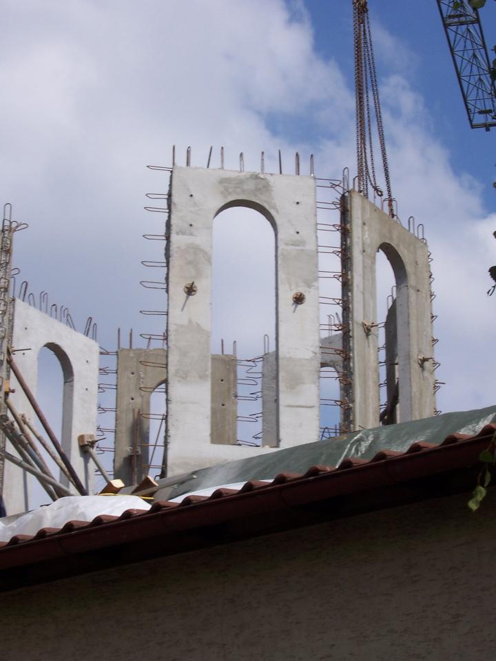 August, 17- Turnul în devenire